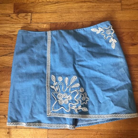 Anthropologie Dresses & Skirts - Denim skirt, cream embroidering. Worn once